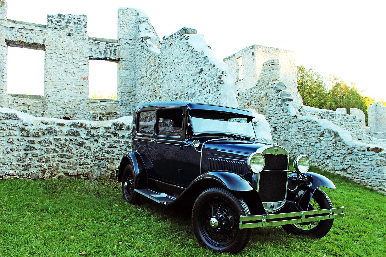 Classic Car Rental: Guelph, Cambridge and Kitchener